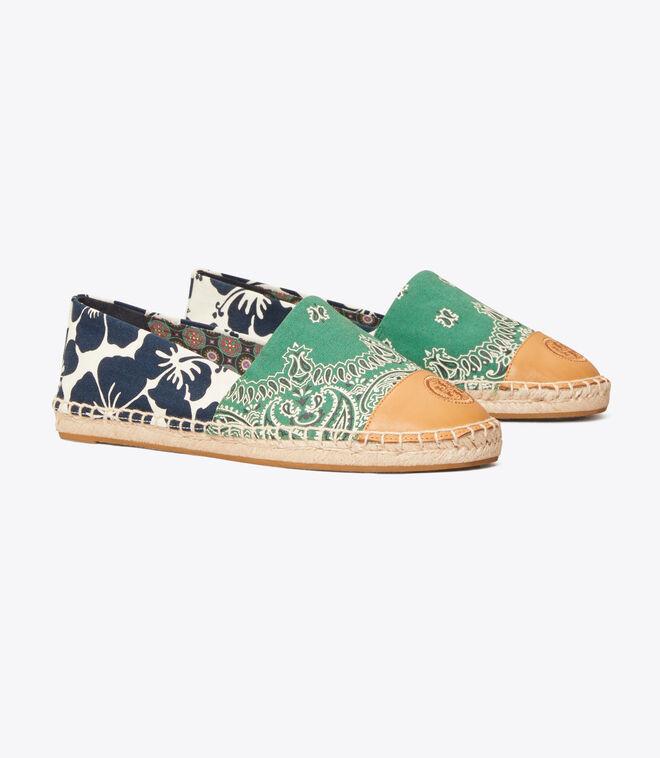 حذاء قماشي كولور بلوك مطبوع